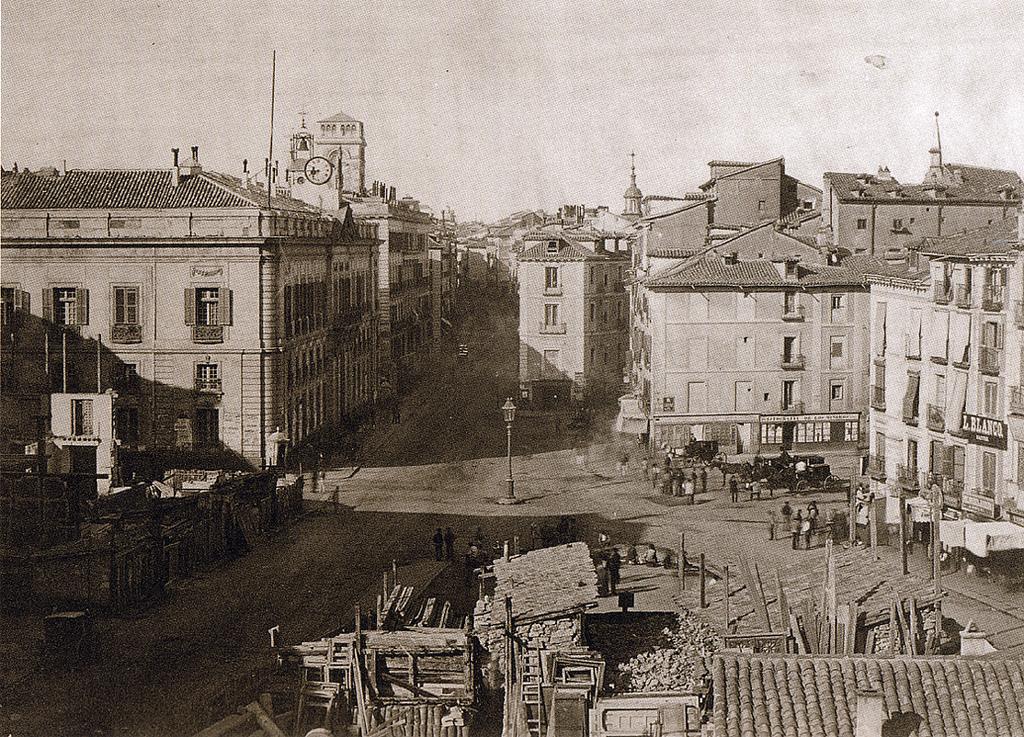 8. La madrileña Puerta del Sol en 1857. Autor, Recuerdos de Pandora