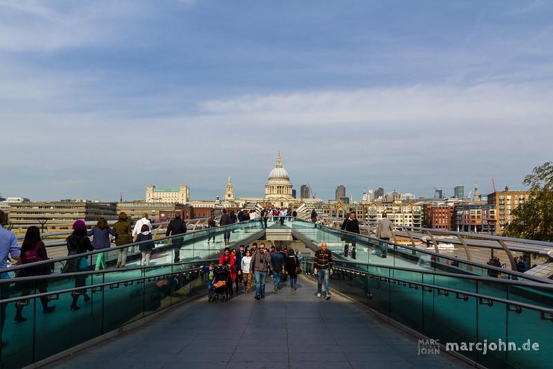 London - Millenium Bridge