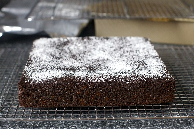 gingerbread snacking cake