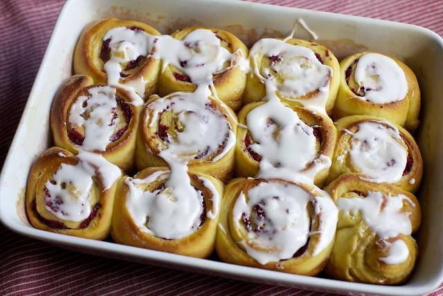 cranberry-orange breakfast buns