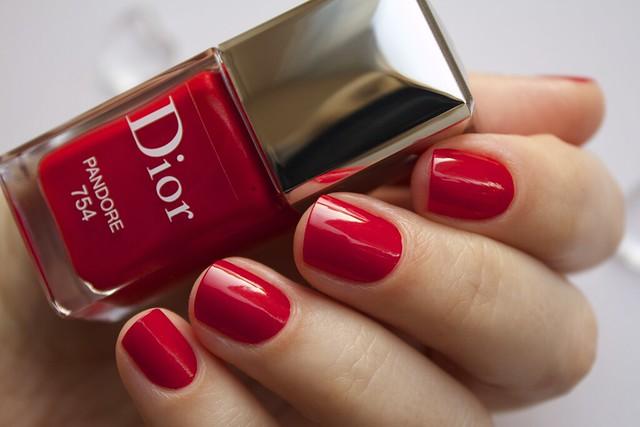 15 Dior 754 Pandore swatches