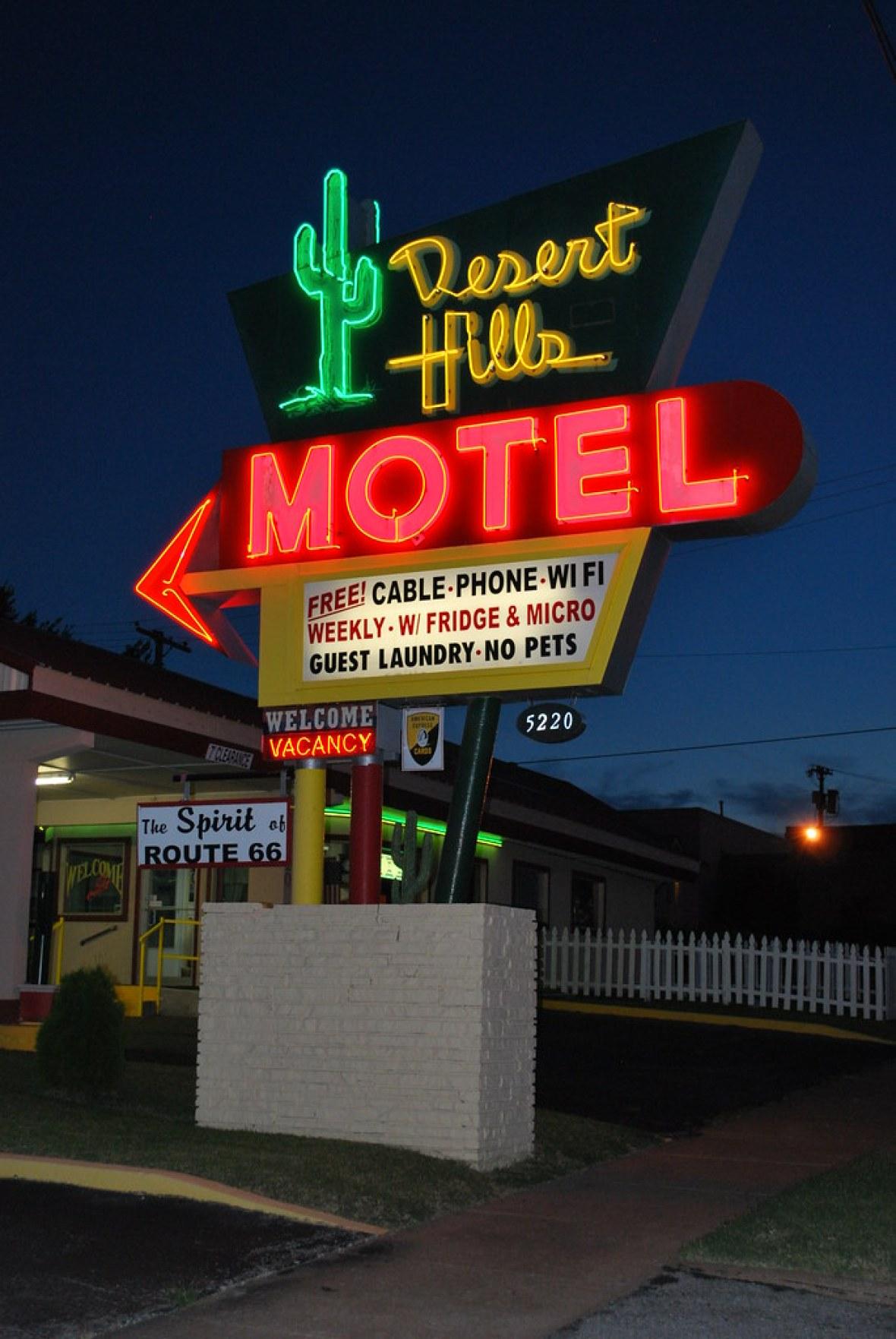 Desert Hills Motel - 5220 East 11th Street, Tulsa, Oklahoma U.S.A. - June 10, 2015