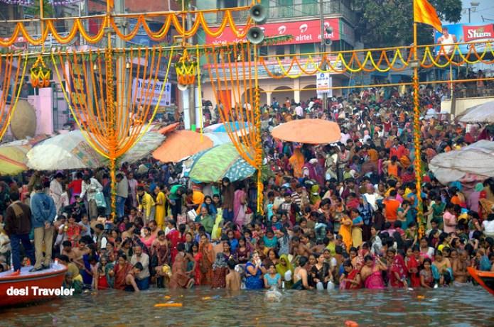 Benaras Varanasi Ghat Bathing Kartik Purnima