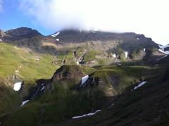 Wilde Kreuzspitze 3.132m im Hochnebel