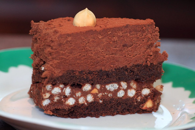 Milk Chocolate Mouse Cake with Crunchy Base
