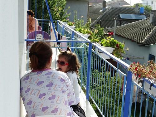 la mare - mic dejun pe balcon