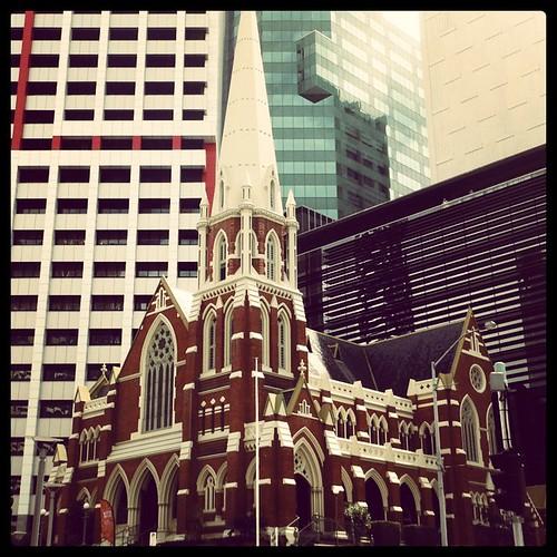 Albert St Uniting Church by andrewgillsag