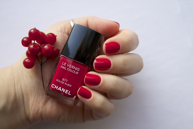 04 Chanel #677 Rouge Rubis swatches
