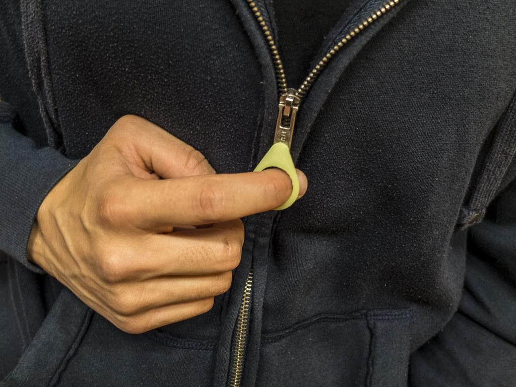 Zip opener05