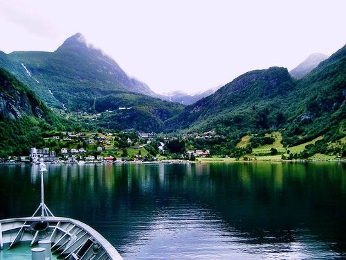 Arriving at Geiranger by SpatzMe