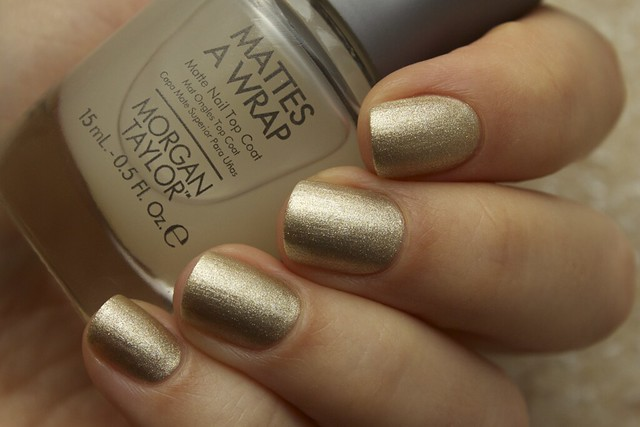 07 Morgan Taylor Give Me Gold + Mattes A Wrap topcoat swatches