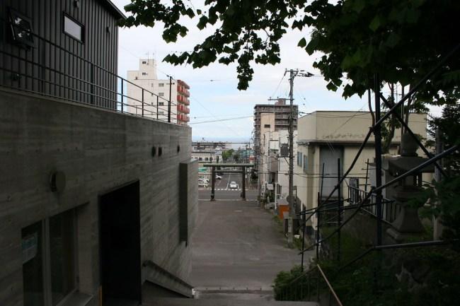2013-08-22_12.49.30.0_Canon EOS Kiss Digital X_IMG_4610_榎本武揚-小樽市-龍宮神社_old-shrine_hokkaido_japan