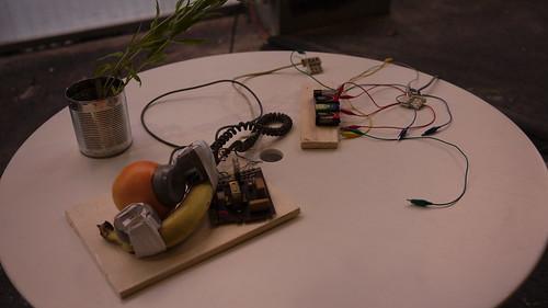 Teléfono-Fruta. Fruta-teléfono