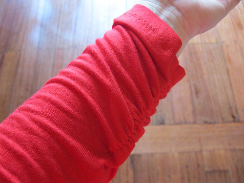 StyleARC Polly top - wrist gathering detail