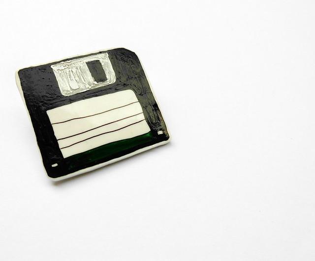 Green floppy disc brooch 03