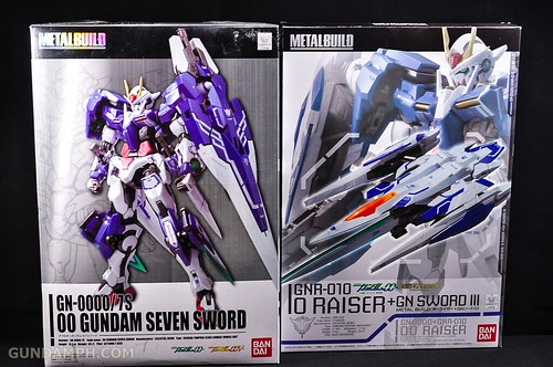 Metal Build 00 Gundam 7 Sword and MB 0 Raiser Review Unboxing (128)