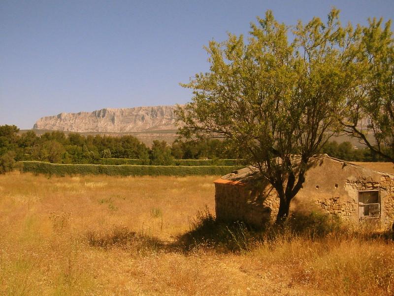 Montagne Sainte Victoire - Filtre Orange -