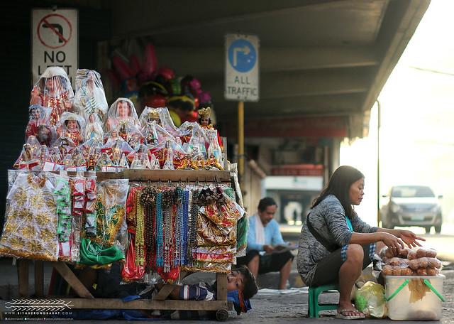 Cebu City Basilica de Minore Sto Nino vendors