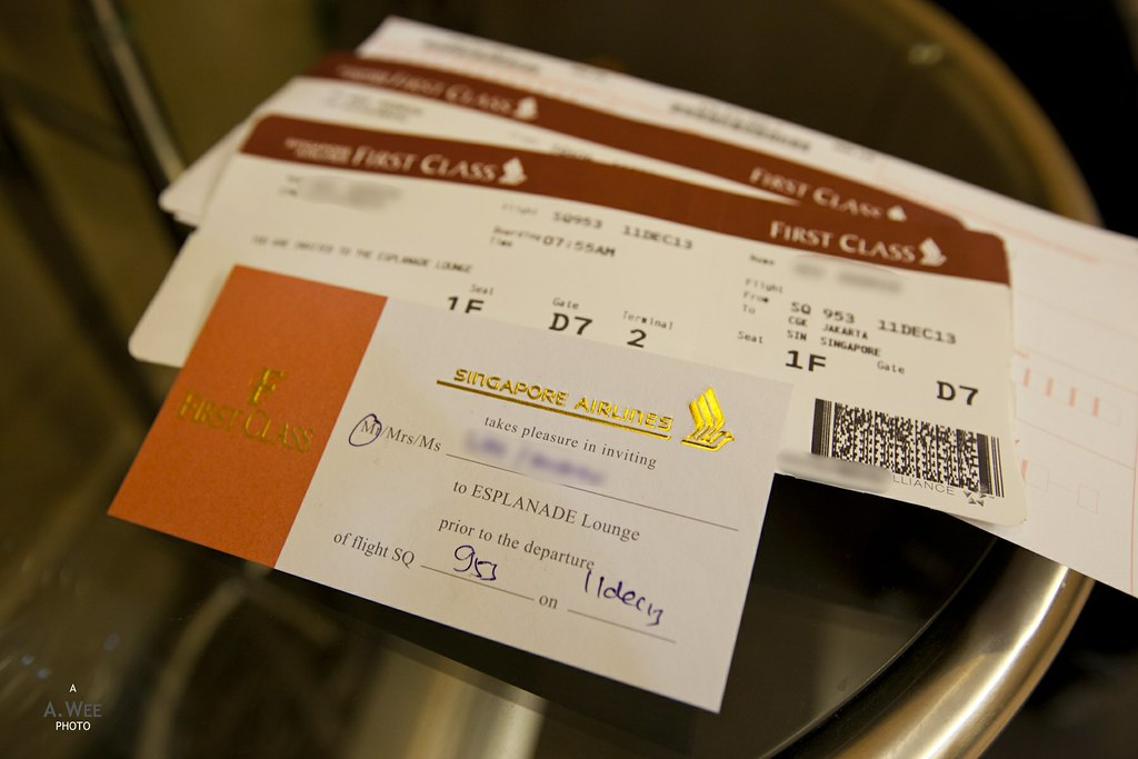 SQ First Boarding Passes and Lounge Invite
