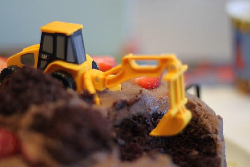 The amazing construction cake!