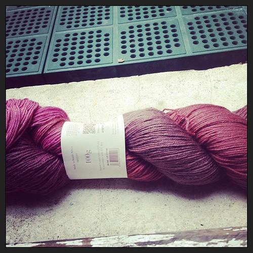 Rosa e marrone delizioso abbonamento #rowan #yarn #instaknit #lavoroamaglia