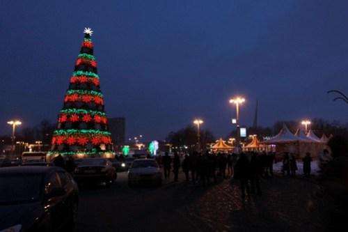 Christmas tree outside the main entrance