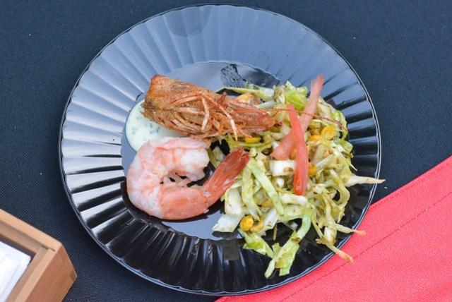 Lukshon hawaiian red prawn & tea leaf salad