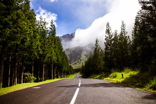 driving to freedom, la reunion by Zeeyolq Photography