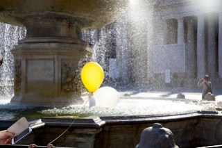 sweet balloons and an e-reader at the vatican