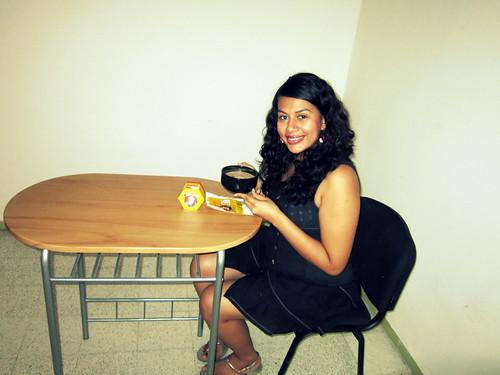Sonriendo con mi chocolate @abuelitamx :3