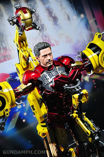 Hot Toys Iron Man 2 - Suit-Up Gantry with Mk IV Review MMS160 Unboxing - day3 (29)