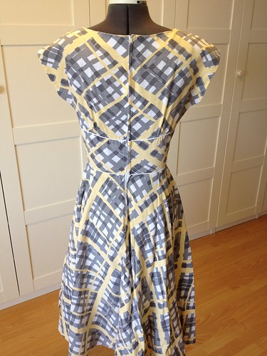 yellow broken plaid Butterick 2344 back