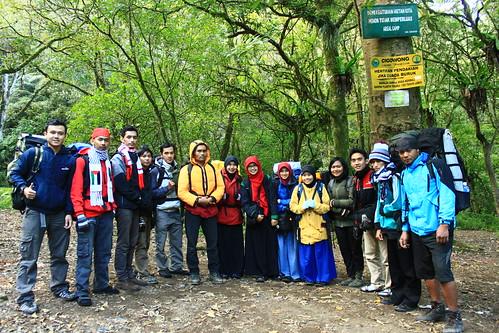 Para Pendaki Gunung Ciremai