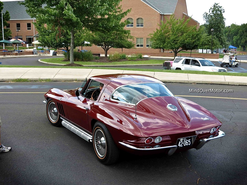 Chevrolet Corvette Stingray 427
