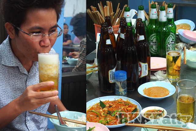 beer woon drinking at jay oh