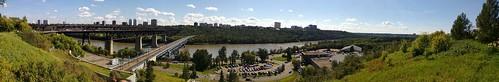 The Edmonton River Valley above the Royal Glenora Club #yeg