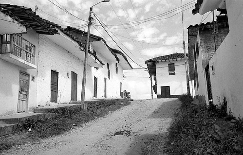 Nuestros pueblos by Felipe Cárdenas-Támara