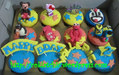 Cupcake mckey, hello kitty, hi5, doraemon, timmy time, cars, elmo dan minion (cupcake set)
