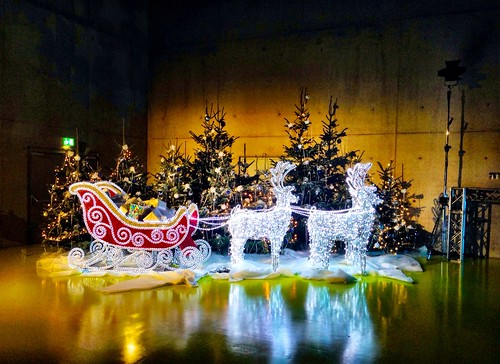 Santa's Sleigh? by SpatzMe