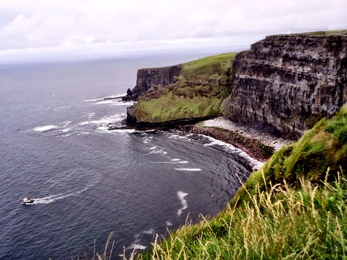 Cliffs of Moher by SpatzMe
