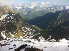 Blick ins Tal und das Bergpanorama