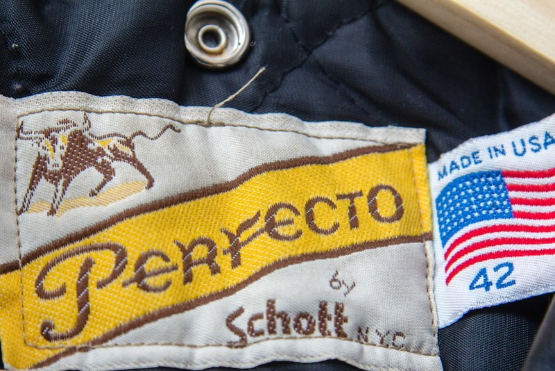 Schott Perfecto 618 - neck tag detail