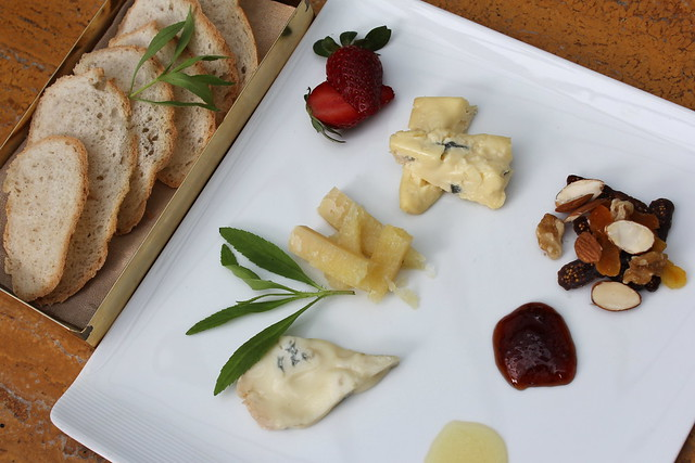 Cheese Plate Gorgonzola, Cambozola, Pecorino, Fruit Jam & Truffle Honey