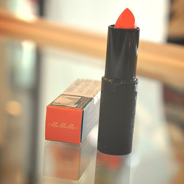MeMeMe Long Wear Satin Lip Cream Coral Cloak