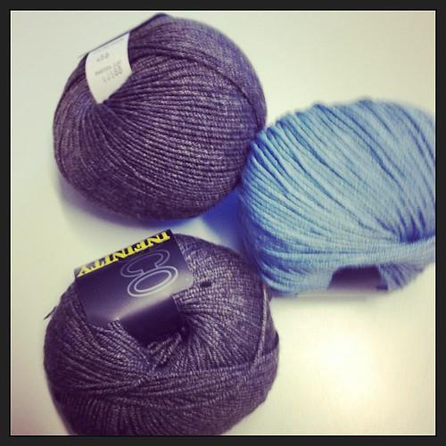 Nuovi progetti #instaknit #knitting #yarn #grignasco #testing