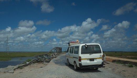 The road to Xai Xai