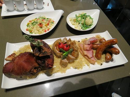 Singapore Lifestyle Blog, Singapore Food Blog, Oktoberfest, Oktoberfest at Crowne Plaza Changi Airport, Azur Oktoberfest, nadnut