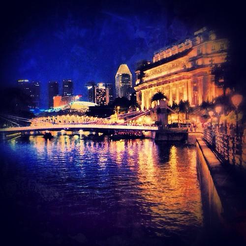 Fullerton Hotel along the #singapore river by @MySoDotCom
