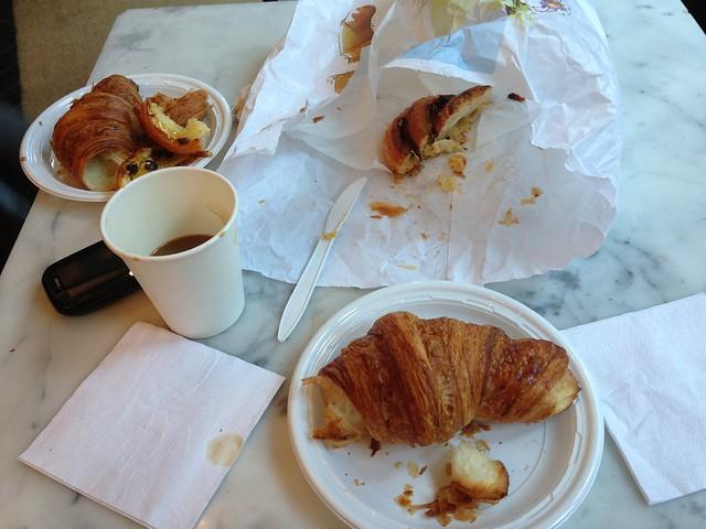 Almondine Breakfast