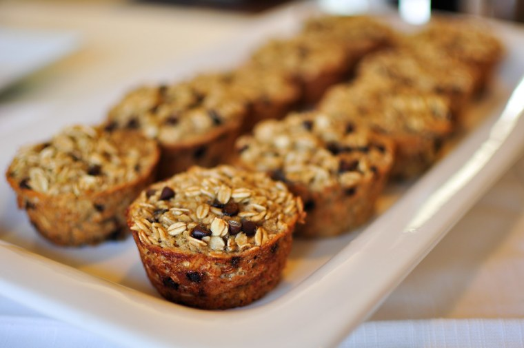 Individual Banana Chocolate Chip Oatmeal Cups